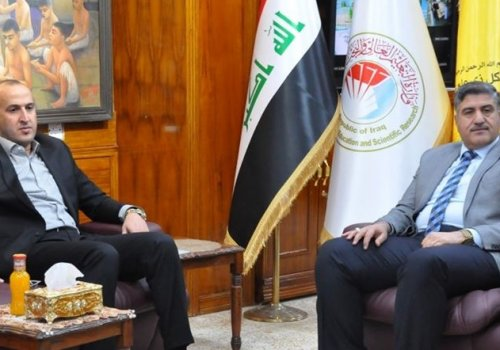 The president of Thi Qar University meets the governor of Thi Qar with an