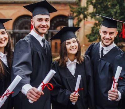 اعلان الى المتقدمين للدراسة في الجامعات الأهلية