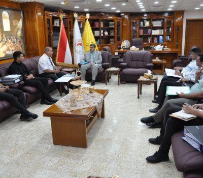 رئيس جامعة ذي قار يتابع آليات تنفيذ البرنامج الحكومي في