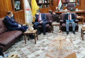 رئيس جامعة ذي قار يستقبل في مكتبه محافظ ذي قار القاضي ناظم الوائلي .
